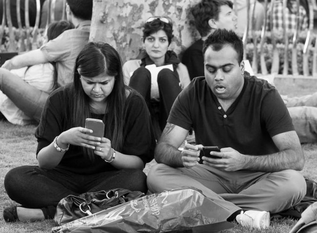 death of conversation 4 650x479 The Death of Conversation: People Obsessed With Their Smartphones