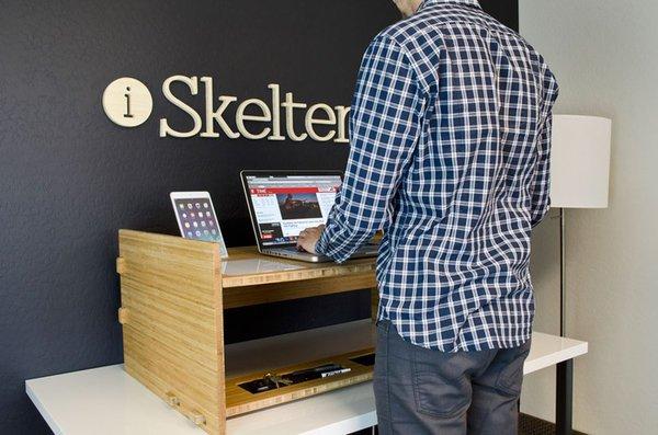 life desk 004 LIFT: Multi Functional Adjustable Desk