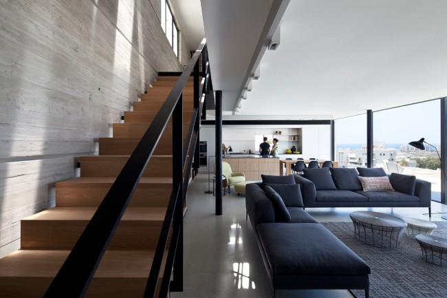 y duplex penthouse renovation pitsou kedem architects 650x433 Y Duplex by Pitsou Kedem Architects