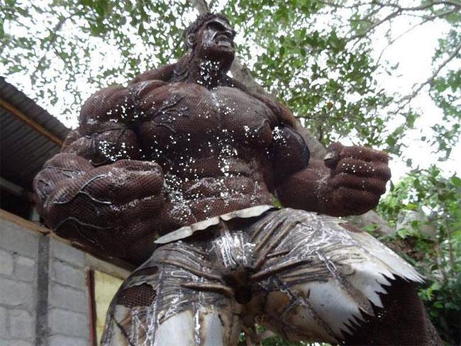 1106 Metal Hulk by Ban Hun Lek