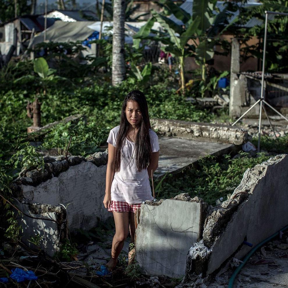 1165 Portraits of Typhoon Haiyan Survivors