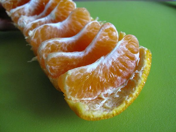 life tips of the week 66A 01a Easy Way To Peel Orange