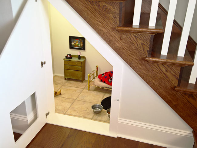 Woman Builds A Tiny Bedroom Under The Stairs For Her Chihuahua