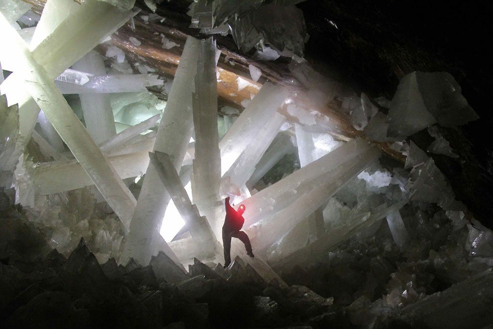 giant crystal cave in naica mexico the place where superman was born
