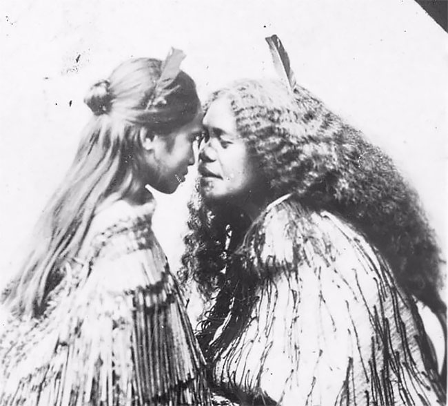 What Is Maori Culture: Incredible Portraits Of Maori Women With Their Tradition