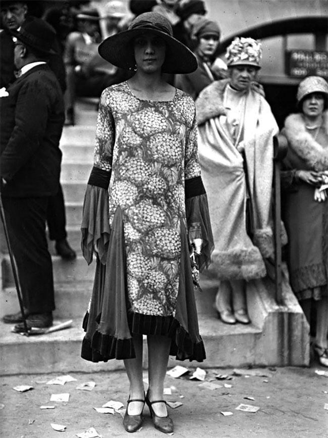 Fabulous Vintage Photos Showing The Amazing Women's Street