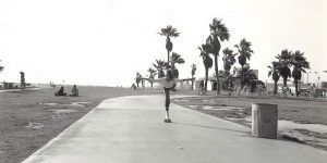 Amazing Black and White Photographs Capture Scenes From Venice Beach In The 1970s And '80s