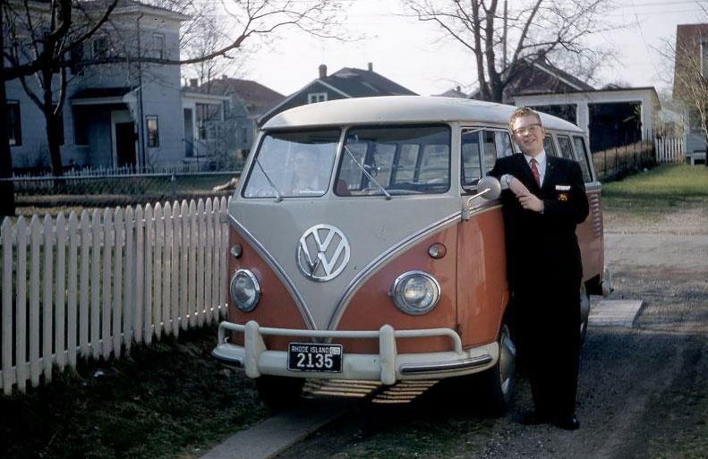 hippie van    amazing photographs  capture people   classic vw buses