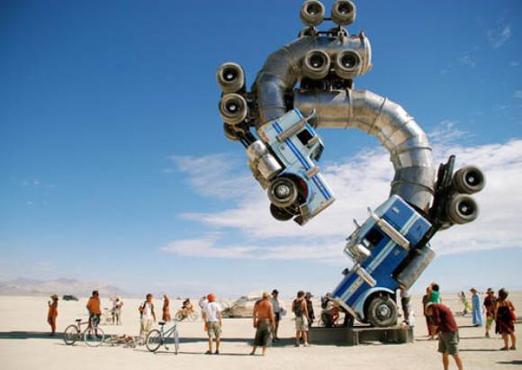18wheelersculpture02 Big Rig Sculpture