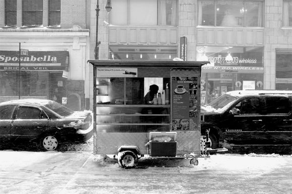 20090303cart People Want Coffee Even in a Snowstorm