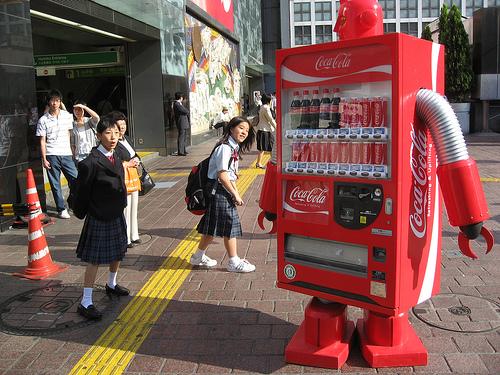 lifesizerobotcoke Coca Cola Robots