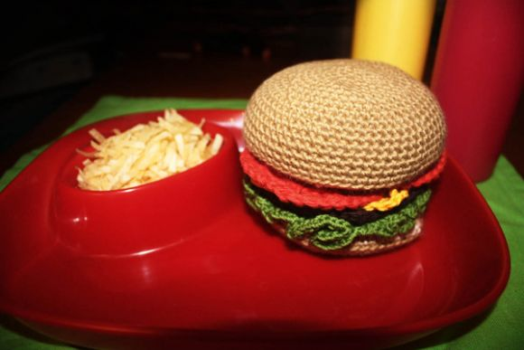 Cluckins Knitted Burger 1 Cluckin's Knitted Artworks