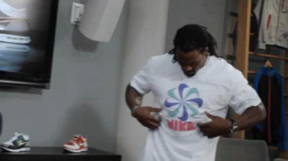 Image3 01 Nike   T shirt Gun