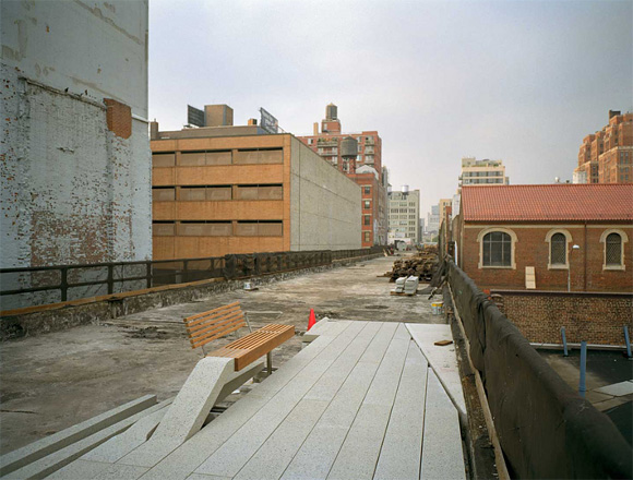 hp1 New Yorks High Line Sky Park is Open for Public