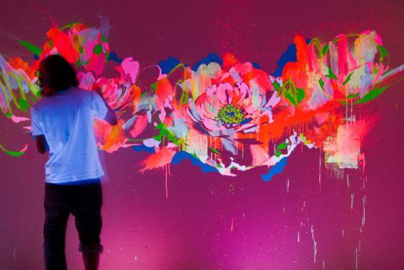 suimmy 01 Glow in the Dark Paintings!