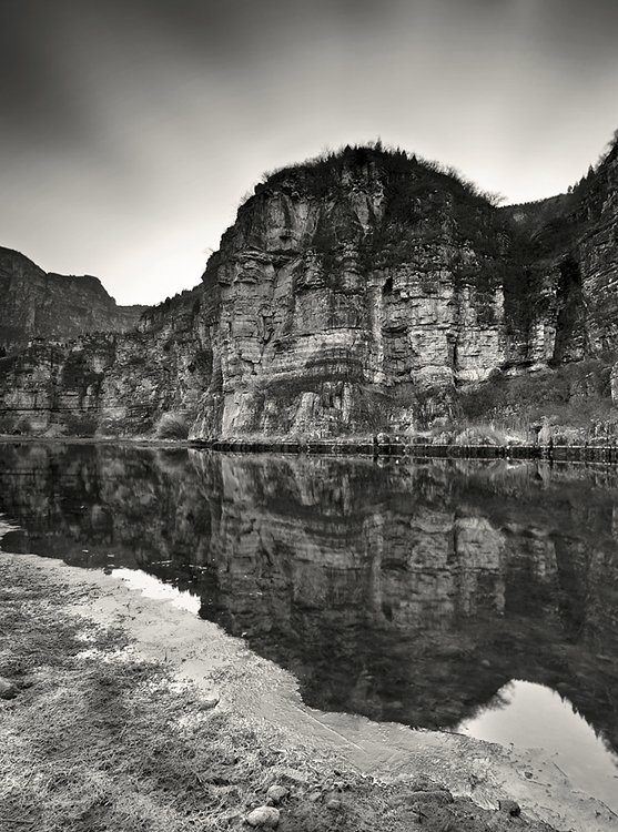 AndreuPardales Black and White Landscape Photography by Andreu Pardales
